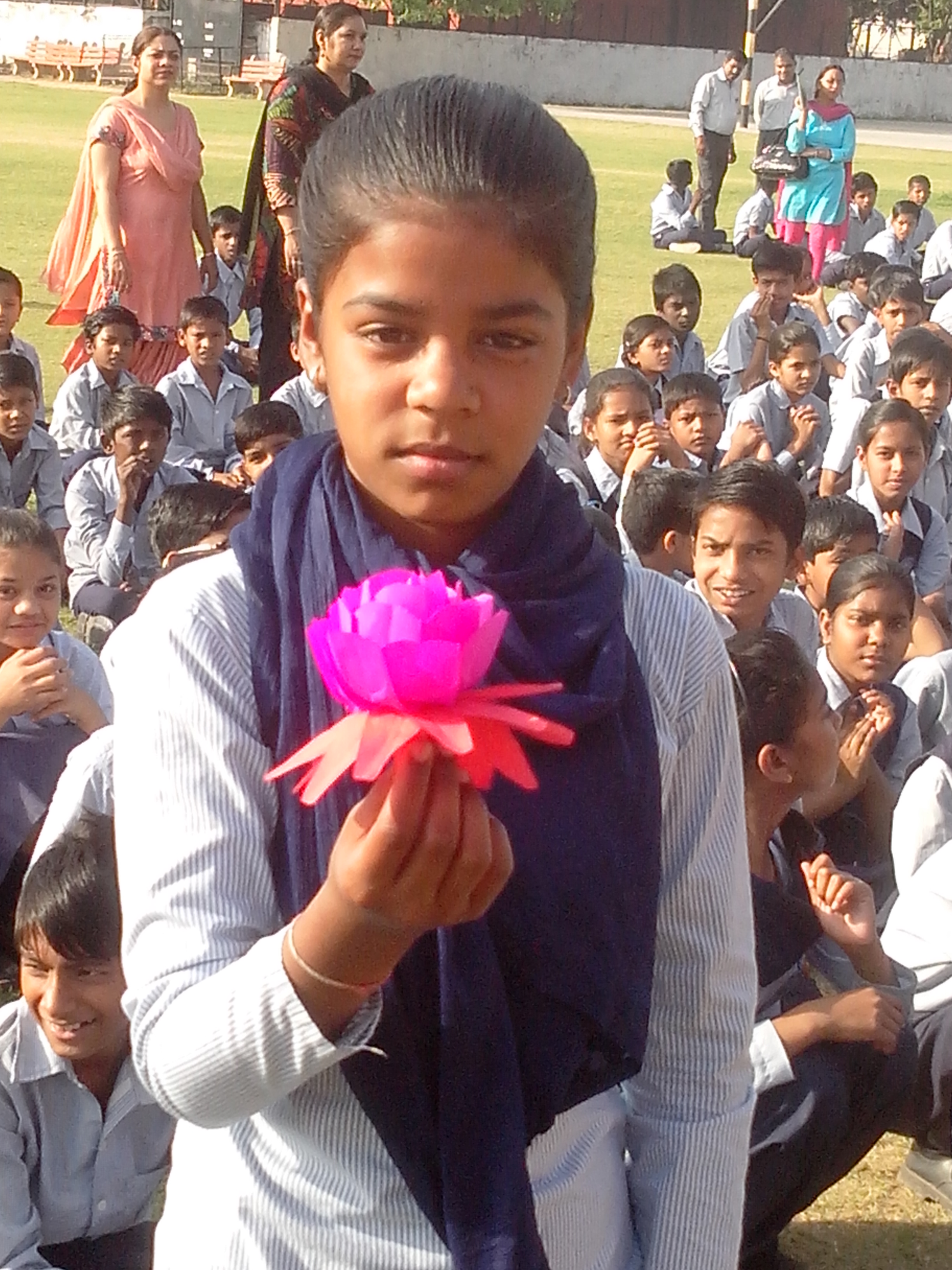 work education activity flower making welcome on the mobile